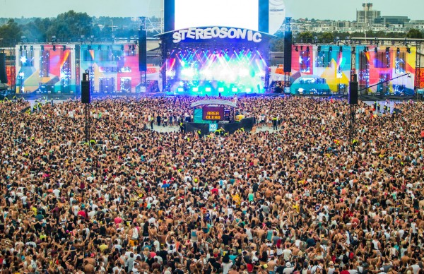 stereosonic-feat