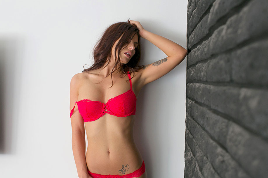 Ass Corrie Lejuwaan  naked (55 pics), Facebook, bra