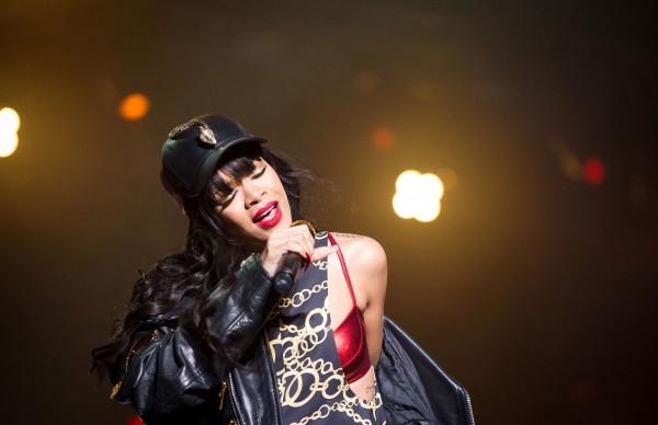 Rihanna---Live-at-Kollen-Festival-09
