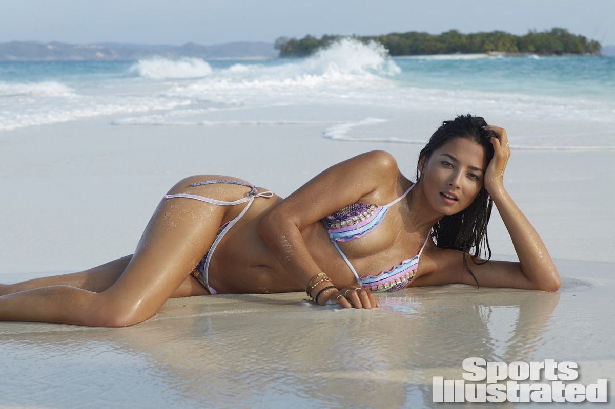 jessica-gomes-in-sports-illustrated-2014-swimsuit-issue_8