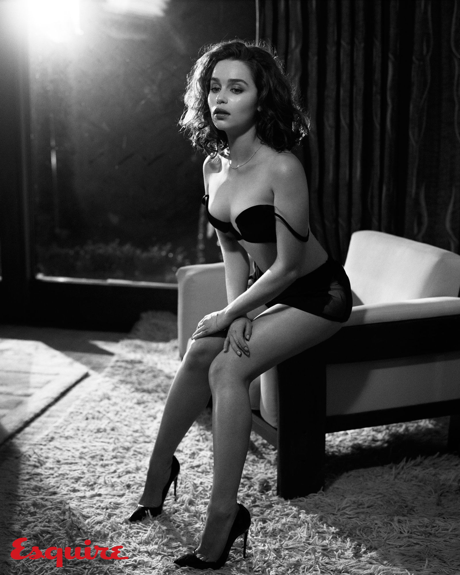 emilia clarke named esquire s sexiest woman alive for