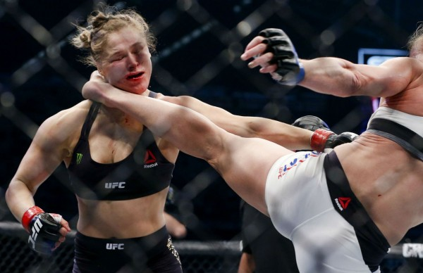 203_Ronda_Rousey_vs_Holly_Holm_1_