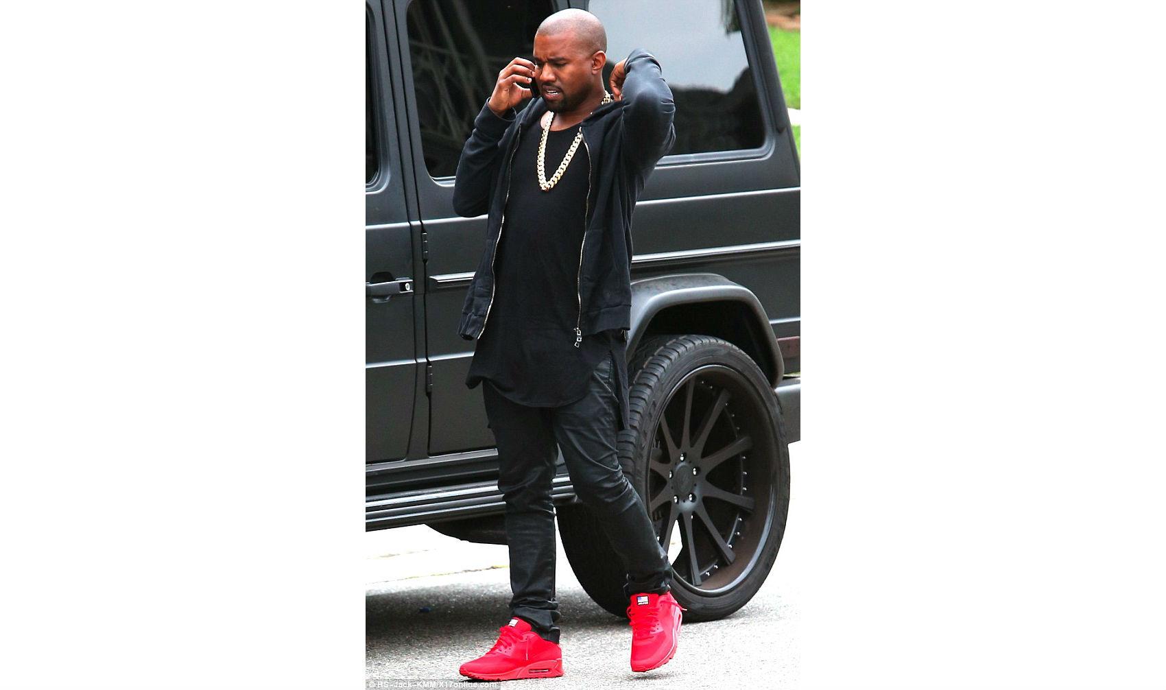 Celeb Sneaker Game: Kanye West Wearing Nike Air Max 90 USA