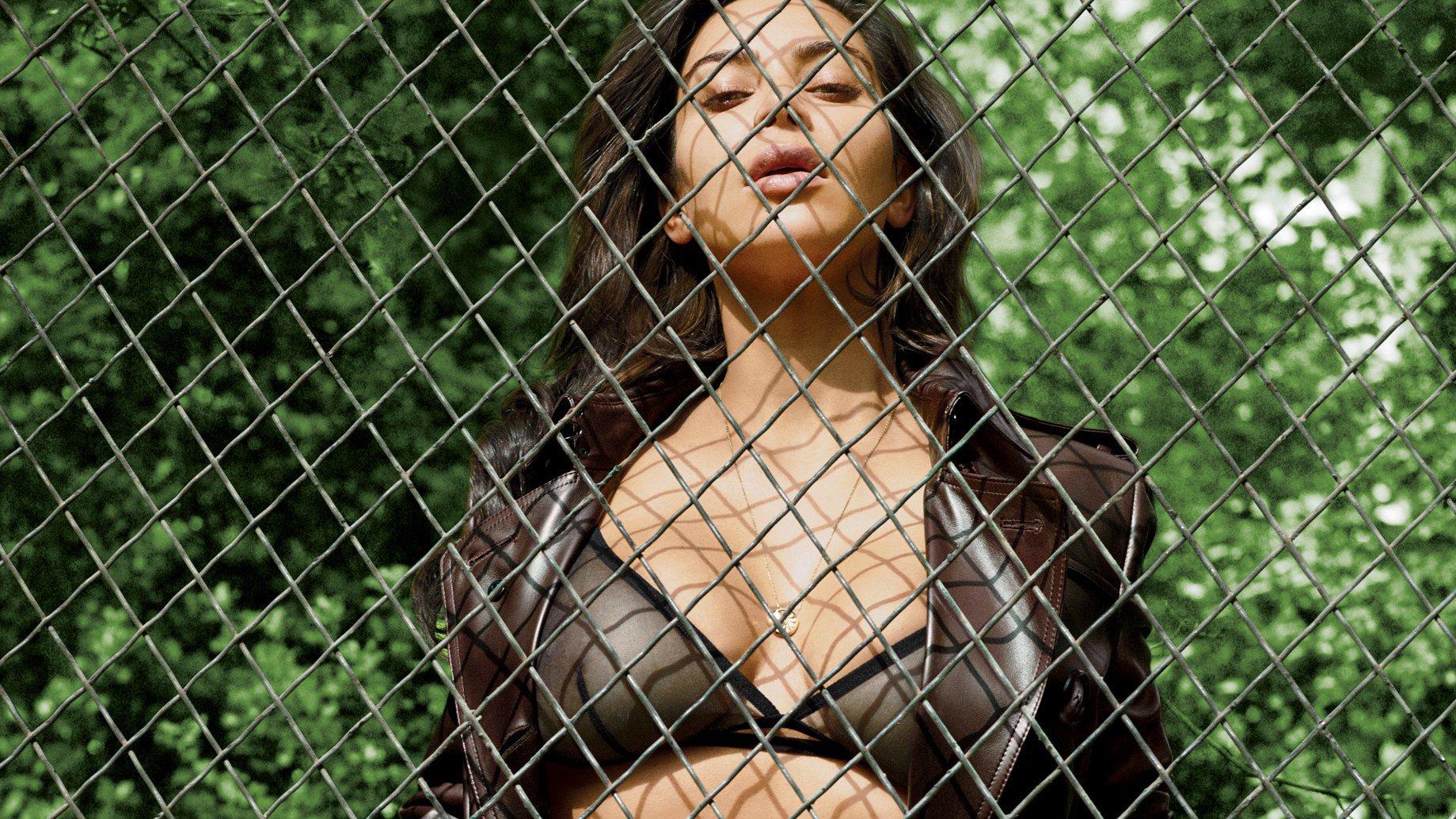 Kim Kardashian Gq Photoshoot - Kim Kardashian Phenomenal Star