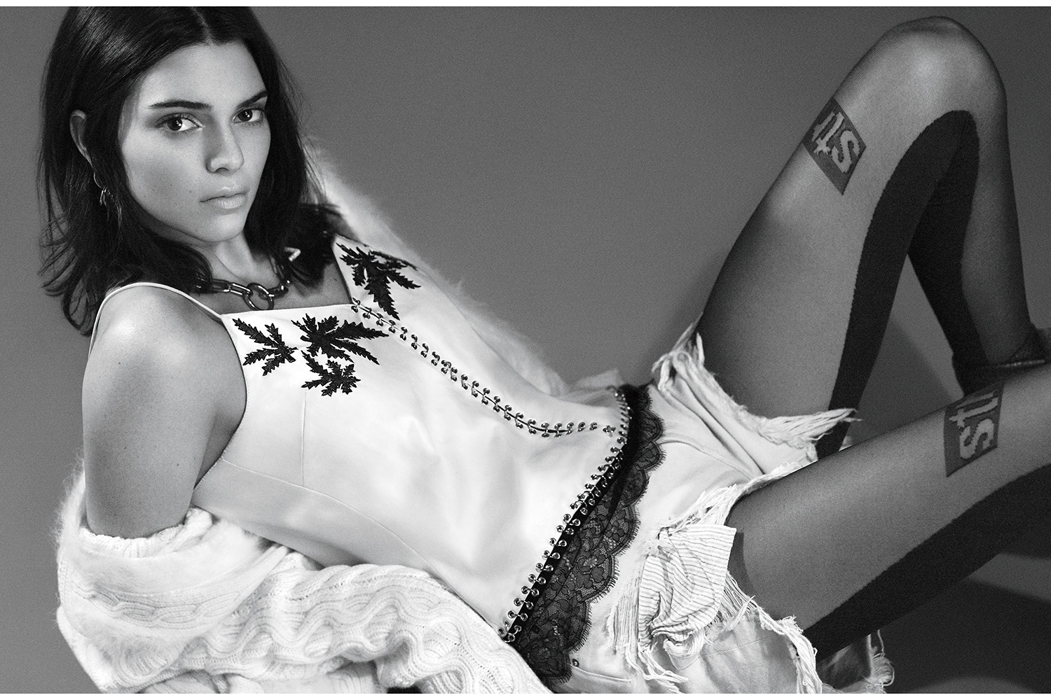 Kendall Jenner Covers Vogue Magazine Amp People Are Kinda