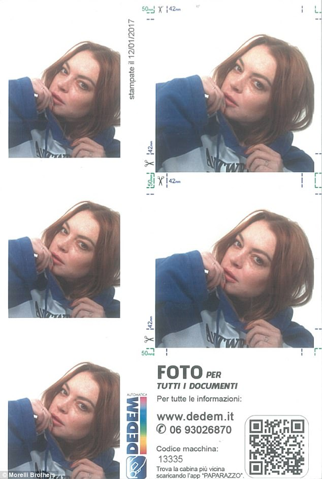 3F6DB8B000000578-4430274-Photobooth_style_Lindsay_wore_a_hoodie_and_barely_there_make_up-a-155_1492722695782