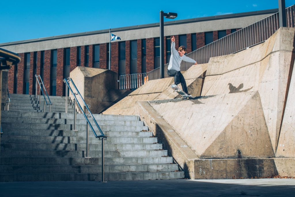 Jonathan Twombly-Frontside Tailslide to Drop