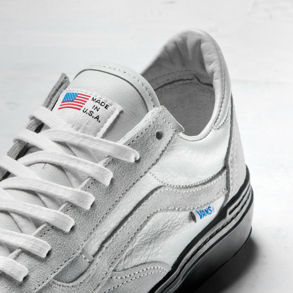 FA17_ArcAd_Style113Pro_VN0A3DYEWHT_USAWht_TongueLogo