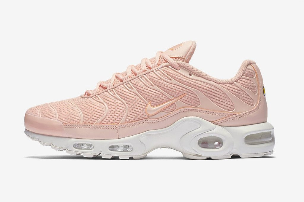 http_hypebeast.com_image_2017_05_nike-air-max-plus-breathe-arctic-orange-4