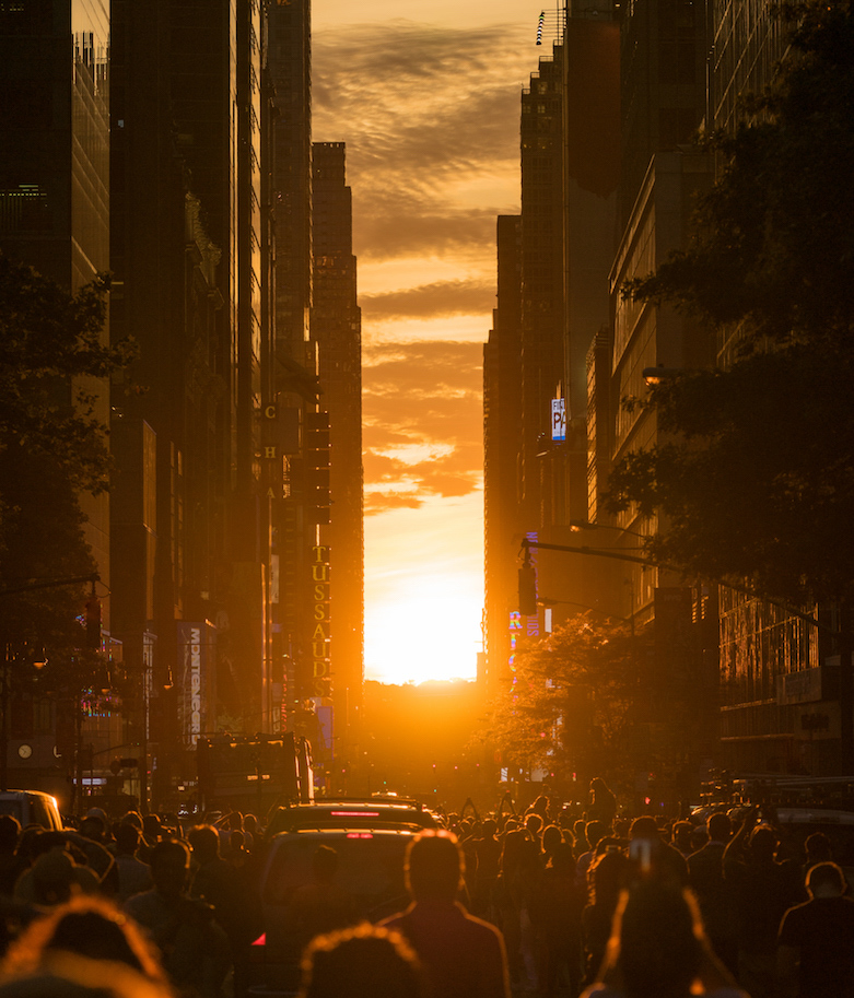 'End of the world'. Once a year, the sun aligns with the streets of Manhattan